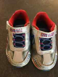 Captain America Light Up Runners - Size 7