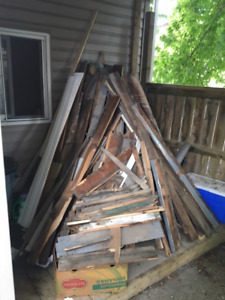 FREE Scrap wood, Very Dry, Good for firewood
