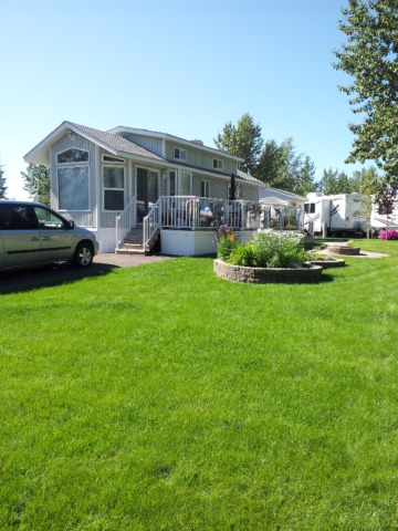 Lot and Park model for Sale in Country Lane Estates near Okotoks
