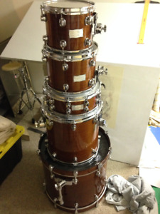 Mapex Saturn Series 5 piece Drum kit Shell pack