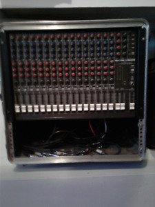 Mackie CR1604 Mixer w/road case $300