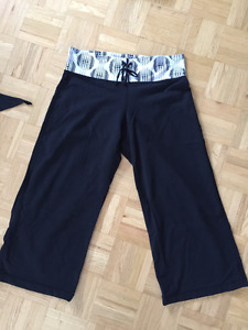 LULULEMON - RELAXED FIT CROP