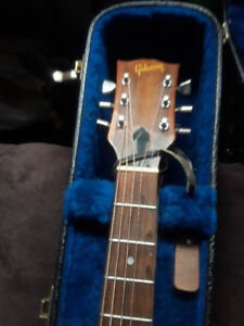 NEW PR1CE OBO 1970 GIBSON ACCOUTICVATION VERSION CELEBRITY