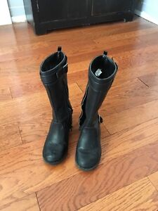 Girls tall boots - size 12 Kingston Kingston Area image 2