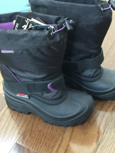 Girls Size 2 Winter Boots Up To -40 Degrees - Brand New