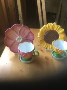 Collectible cup and saucers/ Daisy, Sunflower, Hibiscus, Pansy