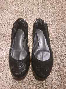 Authentic Tory Burch flats size 7