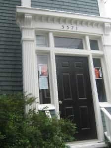Two bedroom Southend Victorian. Sept. 1st. Heat included.
