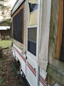 Vintage Travel trailer for parts or fix'er'upper