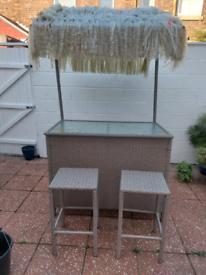 Tiki garden bar