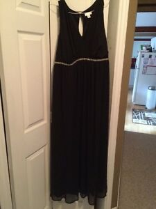 Formal black maternity dress