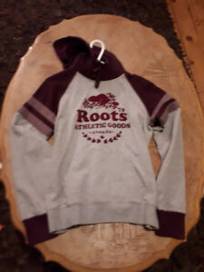 Roots Sweatshirt - Size Medium - Comfy and Cute