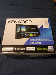 BRAND NEW Kenwood double din Apple Carplay