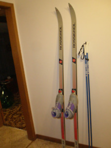 Cross Country Skis with SNS Bindings and Salomon Boots M 5, L 6