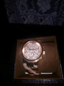 Micheal Kors Rose gold Women's watch in great condition
