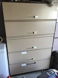 Filing cabinet, great condition