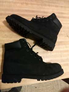 Timberland all black size 7 boots