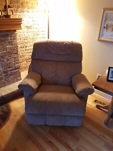 Recliner - electric