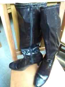 Women's tall fashion boots, size 9