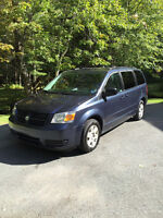 2008 DODGE CARAVAN SE Fully loaded with STOW N GO and DVD