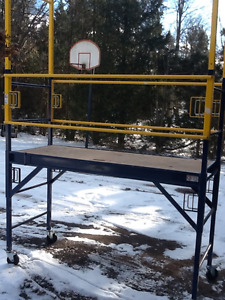Scaffolding - 12 ft tall - like new - perfect condition
