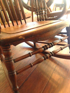 Antique Rocking Chair - Made In U.S.A. Kingston Kingston Area image 2