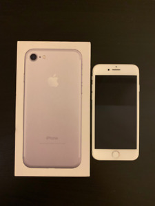iPhone 7 128GB Silver/White Mint Condition