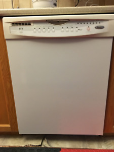 Whirlpool Dishwasher - Excellent Condition