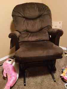 Rocking Chair.. Gently Used!!