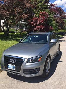 2011 Audi Q5 3.2 L engine LOW KMS!!!