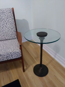Gorgeous BOMBAY glass table