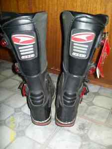 new mx boots and snocross boots Kawartha Lakes Peterborough Area image 4