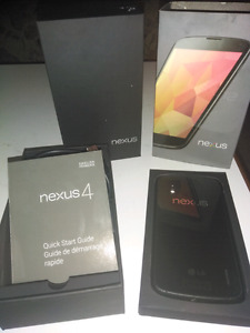 LG Nexus 4 mint with box and charger