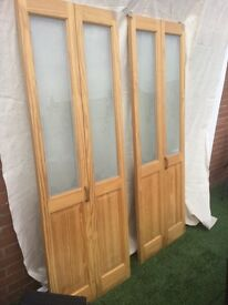 Set of 2 glazed bifold doors