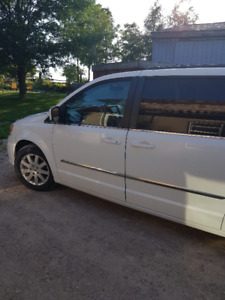 2015 Town and Country Van