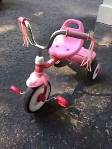 Tricycle pour petite fille