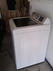 Selling one high-end washing units $300