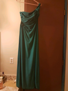 Gorgeous floor lenth gown