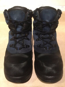 Women's Cougar Winter Boots Size 7 London Ontario image 2