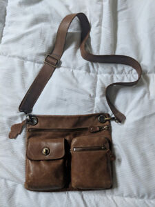 Roots brown leather purse / bag
