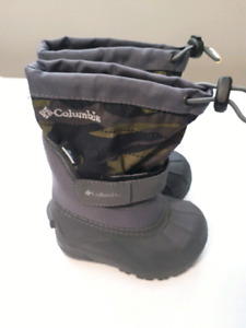 Brand new size 6 toddler  columbia boots