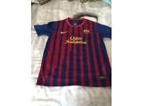 Football shirts and training tops aged 9-10
