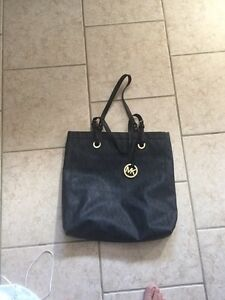 Authentic Michael Kors purse $60
