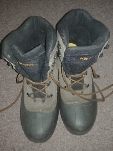 Columbia Boots Mens size 11 Pacific Trail