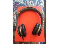Dr Dre beats solo hd with box