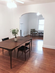 FOR RENT - 3 Bedroom House, Great Downtown Hamilton Location