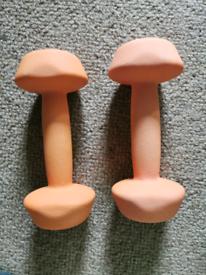 2 X 4kg dumbbells