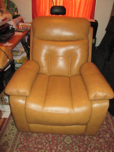 Beautiful Leather Electric Power Recliner Chair-New Condition