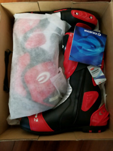 Sports bike footware protective gear(brand new)