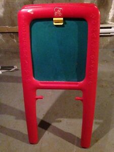 STEP 2 EASEL FOR TWO FOR SALE!